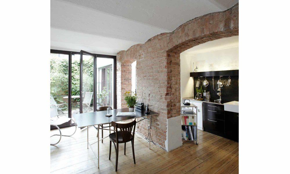 Wirth Architekten haben aus ungenutzten Räumen ein moderen Loft gemacht