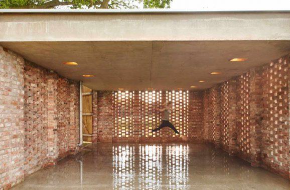 Die Garage ist auch als Pavillon nutzbar. von Wirth Architekten aus Bremen